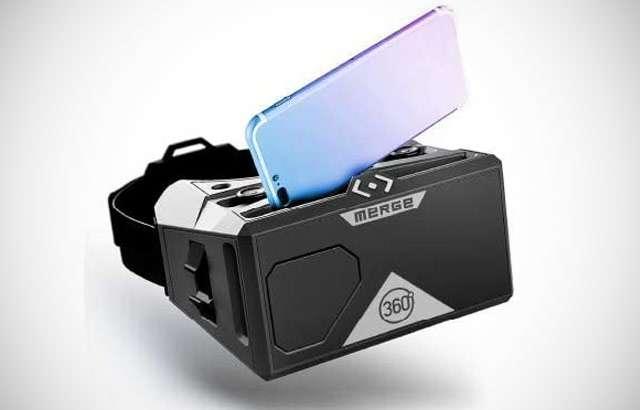 Il visore VR di MERGE