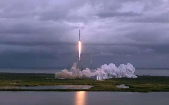 SpaceX lancia 143 satelliti nello spazio