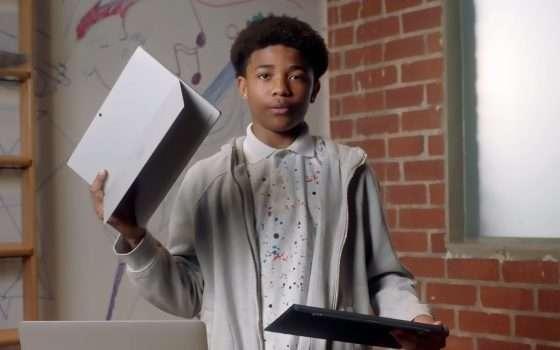 Lo spot di Surface Pro prende di mira MacBook Pro