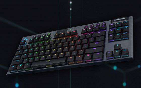 Tastiera da gaming Logitech G915 TKL wireless a 70€ in meno!