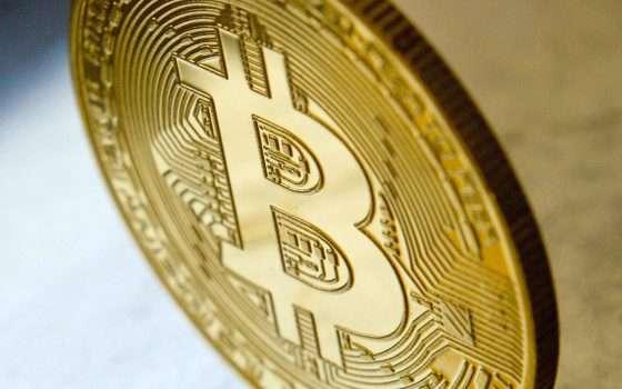 Bitcoin cresce ancora: superati i 51000 dollari