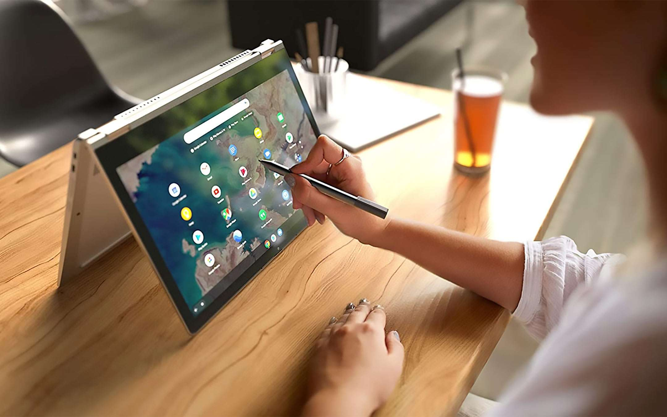 The Lenovo IdeaPad Flex 5 Chromebook on offer