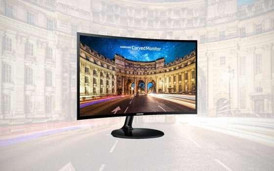 Il monitor curvo di Samsung a meno di 100 euro