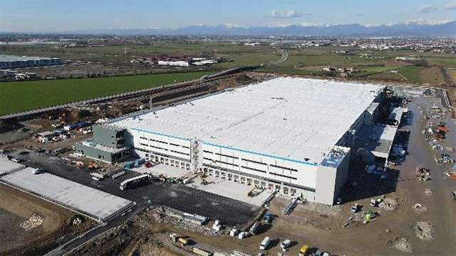Il nuovo centro di distribuzione Amazon a Cividate al Piano, in provincia di Bergamo
