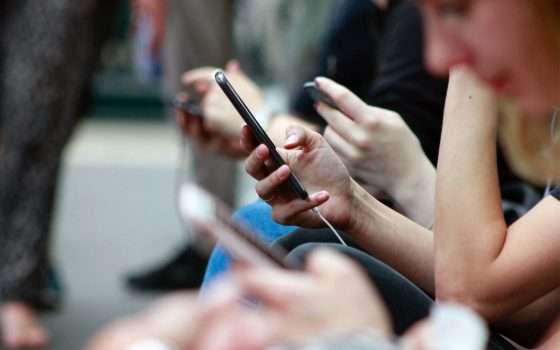 6 miliardi di utenti mobile, 8 miliardi di SIM