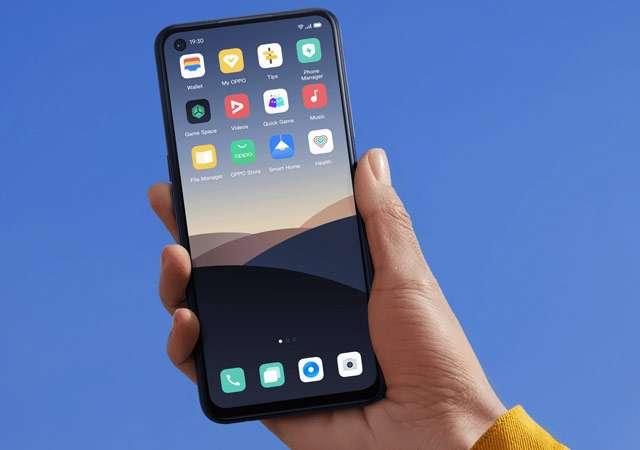 Lo smartphone OPPO A72 nella colorazione Twilight Black