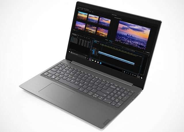 Il laptop Lenovo V15 con display da 15,6 pollici e processore AMD