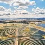 Apple accumulerà energia con le batterie Tesla