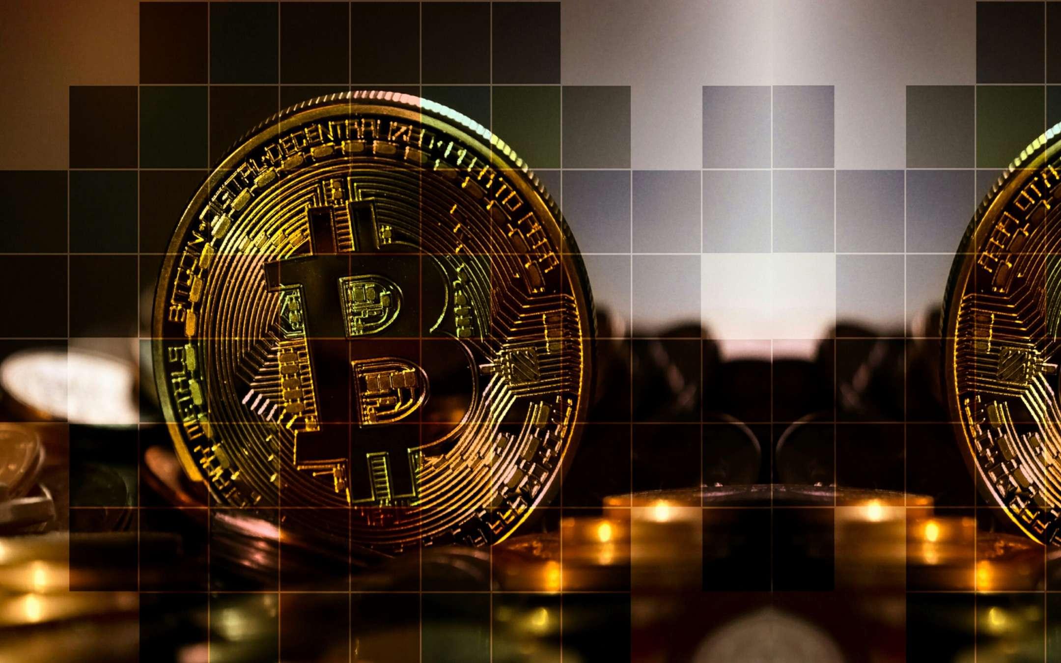 Scoperta la banda di ragazzini che vendeva droga su internet: pagamento in bitcoin