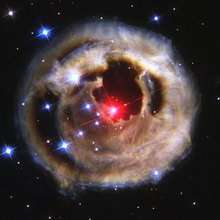La supergigante rossa V838 Monocerotis vista da Hubble