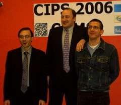 Il podio con i premiati, da sinistra: Calzerano, Brunetti e Vignotto