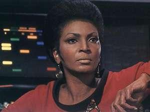 Il guardiamarina Uhura, responsabile del traduttore universale sulla Enterprise