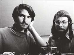 Steve Jobs con l'amico e socio Steve Wozniak