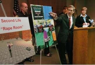 Il deputato Kirk illustra la sua proposta di legge