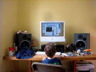 Bambino e schermo