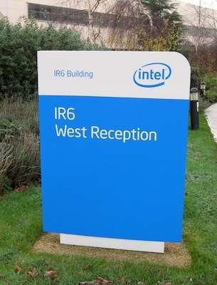 L'ingresso visitatori della Fab24 di Intel