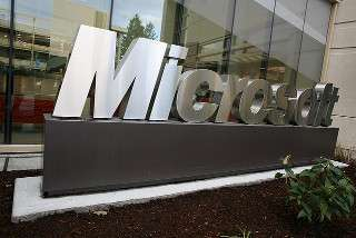 Microsoft sign outside building 99 di Robert Scoble - CC BY 2.0