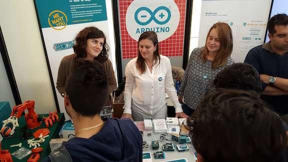 lo stand arduino srl a maker faire 2015