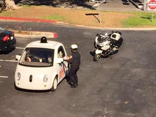 Stop per la Google Car