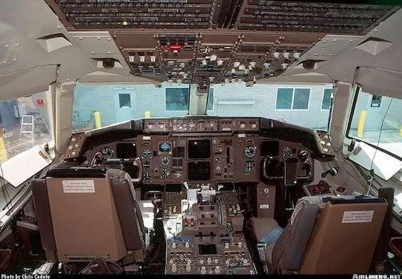 interno di un boeing 757